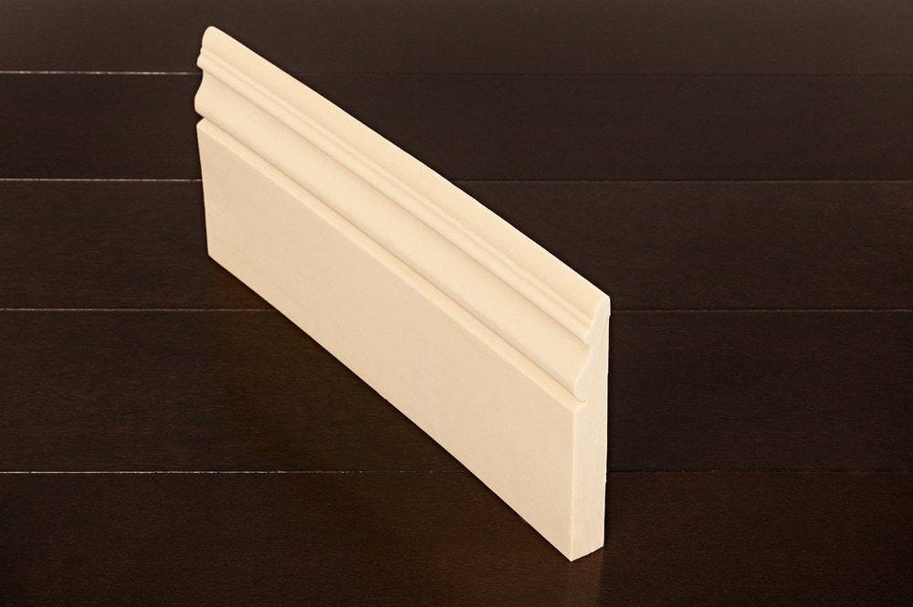 Arcadia Moldings - Flexible Baseboards/Smooth Texture Baseboard - 9/16' x 5' x 8'